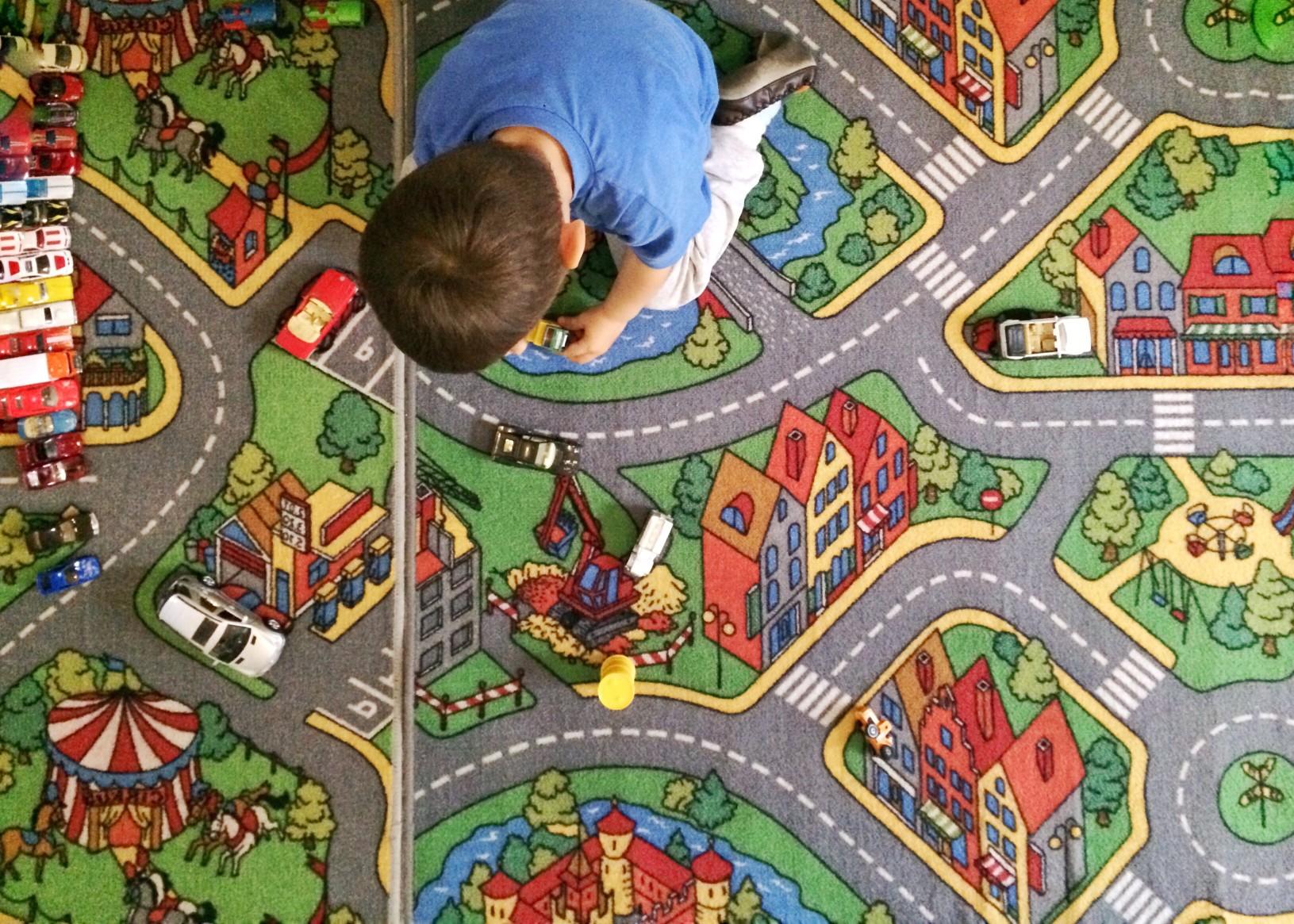 Kinderzimmer Teppich zum Spielen Bild: @delia3107 via Twenty20